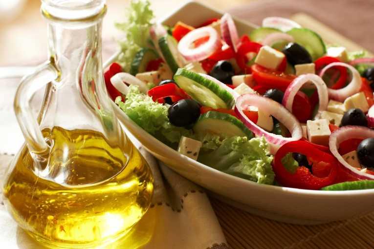 aceite y ensalada