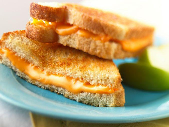 queso fundido sandwich