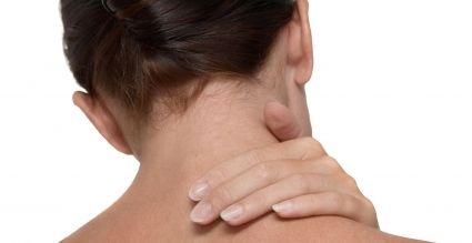 mujer vertigo cervical