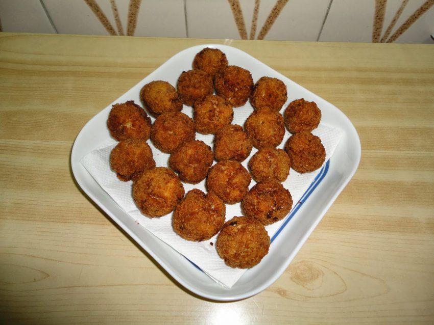 preparacion de Receta de albóndigas fritas