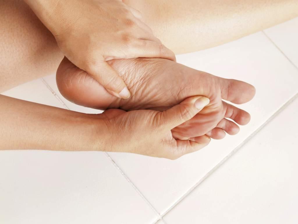 masaje en el pie